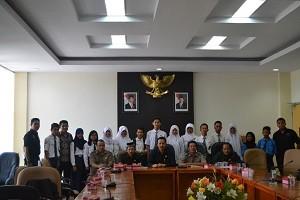 Forum Anak Samawa Hearing dengan DPRD
