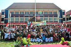 HUT TNI ke 70 di halamam kantor bupati Sumbawa
