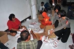 Penyortiran surat suara Pilkada Sumbawa