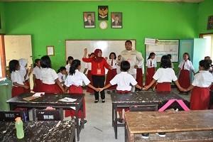 sukarelawan beri inspirasi pada para pelajar