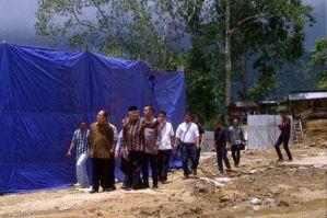 Din Syamsuddin saat berkeliling lokasi pesantren