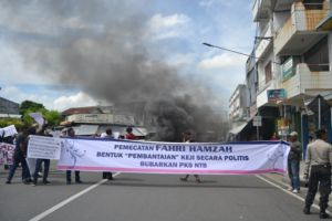 demo pemecatan Fahri Hamzah