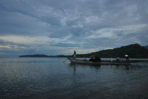 Aktifitas nelayan di Teluk Buyat