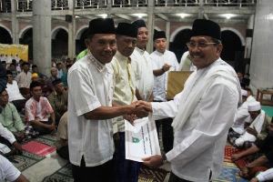 Bupati Sumbawa beri bantuan dana