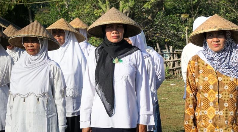 Petani Desa Mokong