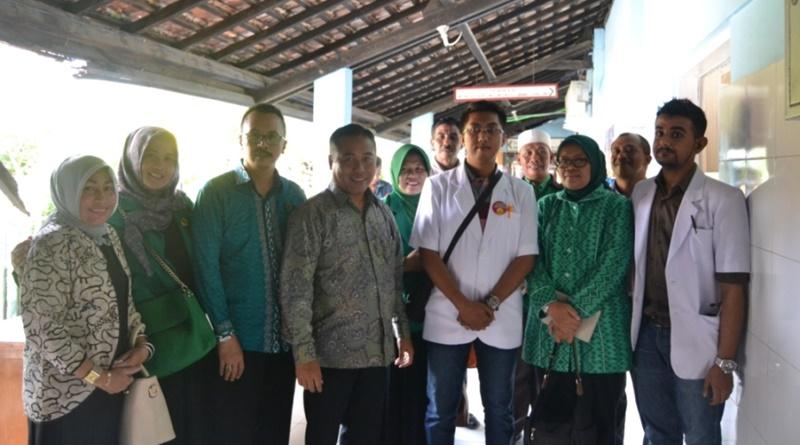 Hj Ermalena didampingi sejumlah Anggota DPRD Sumbawa saat berkunjung ke RSUD Sumbawa