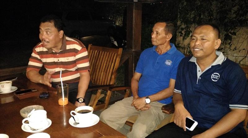 Kombes Pol Sriyanto (kiri) dan Kompol Sirajuddin (tengah)