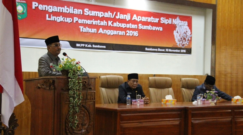 Bupati Sumbawa HM Husni Djibril