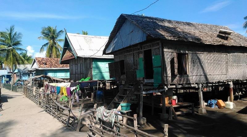 Kawasan pemukiman di Gili Tapan