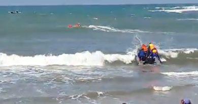 Jasad Korban Tenggelam di Laut Labangka Terlihat ?