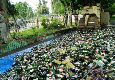 Ribuan Botol Miras dan Puluhan Gram Narkoba Dimusnahkan