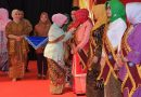 Hj Amien Raih Pin Emas Apresiasi Bunda PAUD Tingkat Nasional