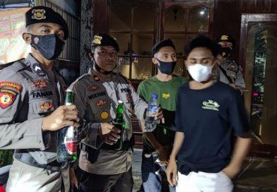 Bawa Sajam dan Miras, 3 Pemuda Diamankan saat Patroli KRYD Polres Sumbawa