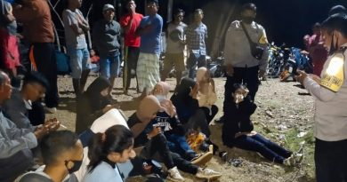 Polsek Alas Selamatkan 15 Orang Pengunjung Wisata Air Terjun Agal yang Tersesat